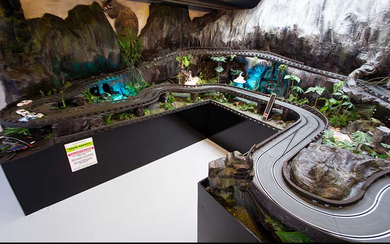 King Kong Scalextric Circuit