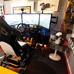 Touring Car Race Seat simulation 45 minutes virtual reality wit HTC Vive at Stonerig Raceway.